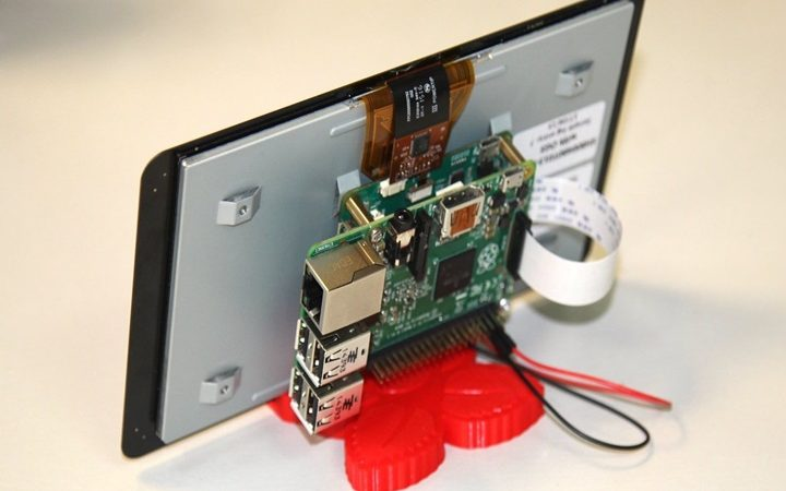 What Can You Do With a Raspberry Pi Touchscreen?